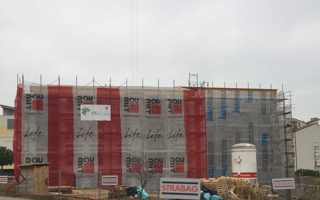 Izdelujemo toplotno izolacijsko fasado na objektu Center starejših Izola.
