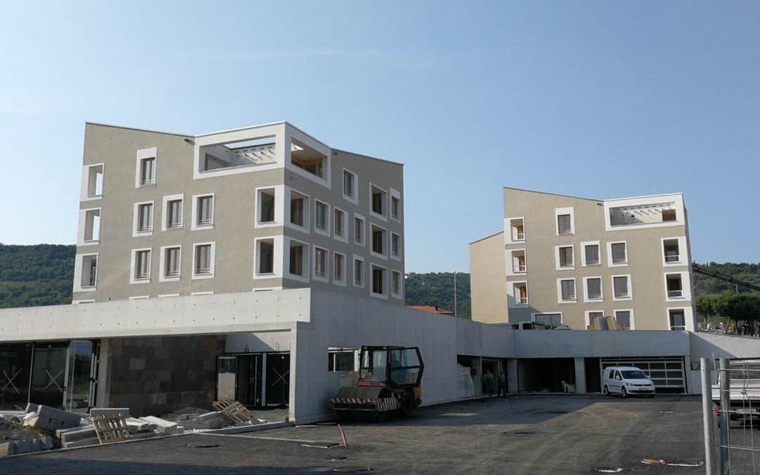Kontaktna fasada Centra starejših Livada