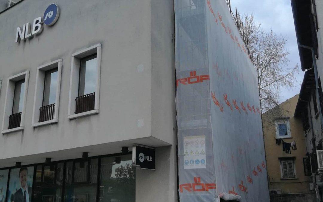 Pozimi izvajamo celovito sanacijo zunanjosti poslovnega objekta v Kopru