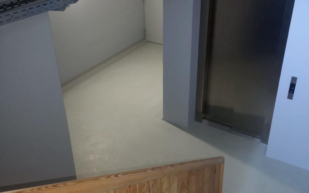 Ježkova 1 – notranji hodniki